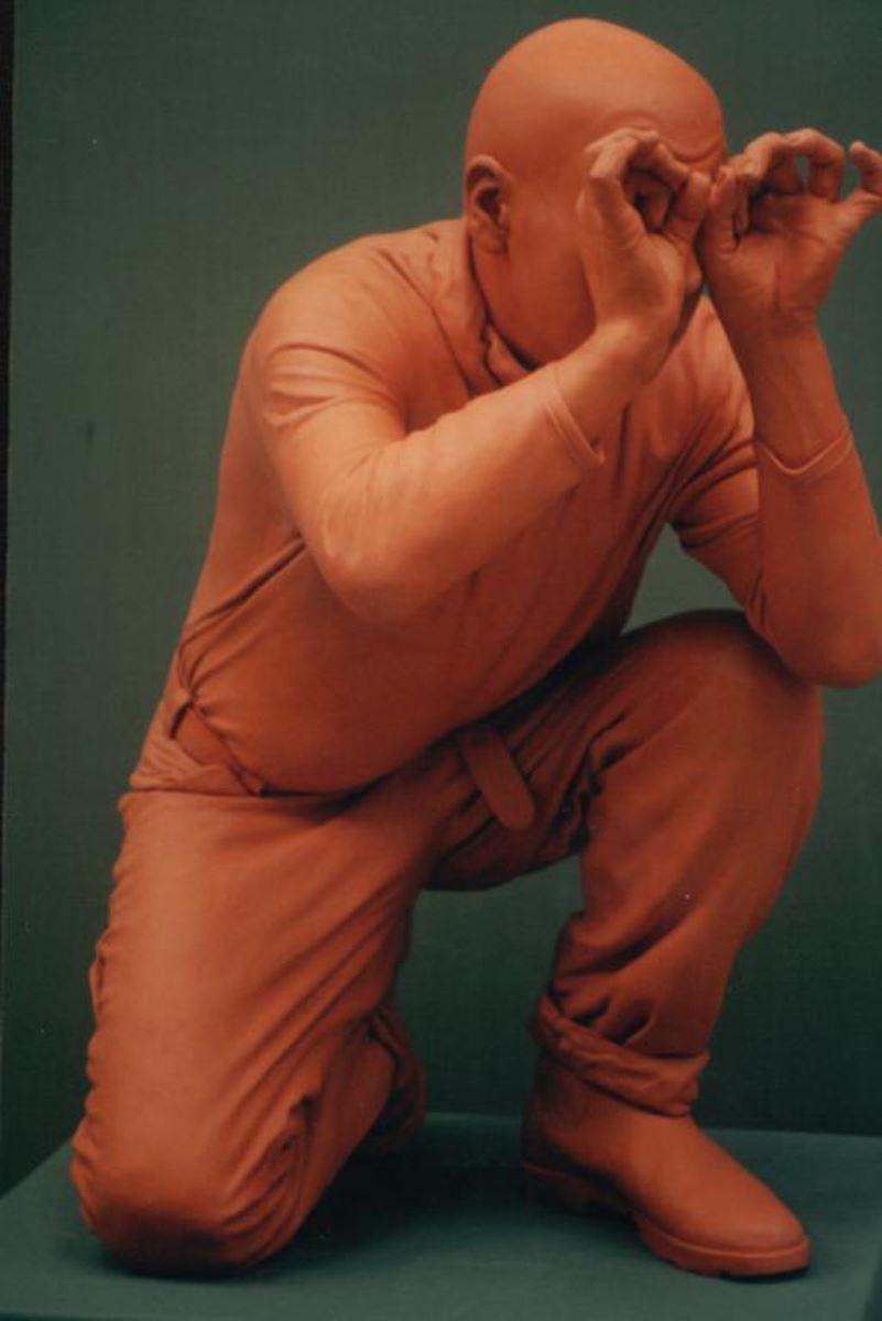 קורס פיסול- פסל המשקיף