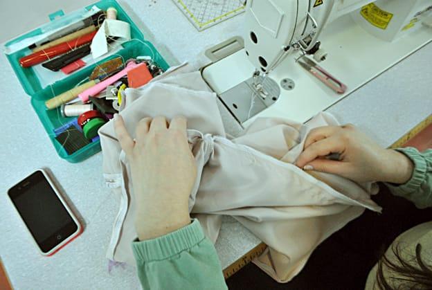 תפירה כחלק מ- לימודי עיצוב אופנה