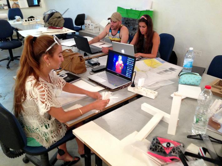 לימודי עיצוב גרפי במכון אבני